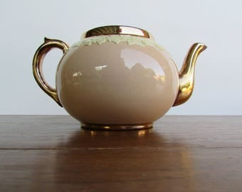 Rare Pink-Celadon Porcelain Teapot, Wraped in a Wedgwood-Like Relief of Ivory Grapevines