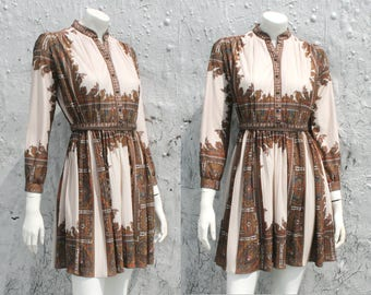 Paisley 60s 70s Secretary Mini Dress / Grecian Tunic Dress / Pleated Long Sleeve Day Dress / Psychedelic Mod Dress / Size XS S M