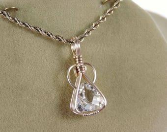 Sweet White Topaz pendant in gold