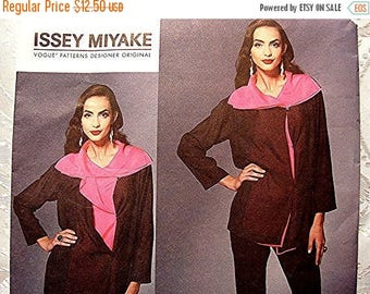 on SALE 25% Off Vogue Pattern Issey Myake Misses size 6 8 10 12 UNCUT Womens Very Loose Tunic Top and Fitted Tapered Pants Pattern