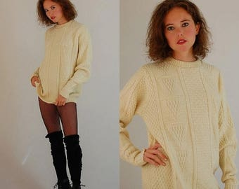 SALE 25% off sundays Wool Sweater Vintage Cream Chunky Cable Knit Preppy Winter Pull Over Sweater (m l)