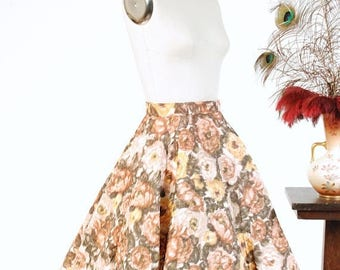 Memorial Weekend Sale - Vintage 1950s Skirt  - Splendid Brown and Gold Rose Floral Print Quilted 50s Circle Skirt