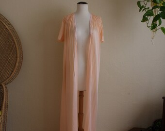 Vintage 60s 70s peach cool nylon robe