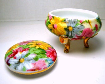 Tiny Flower Pattern Porcelain Ring Box, 2 Part Trinket Treasure Box On Gold Legs, 1960s, Japan...Sweeeeeet...