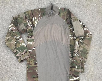 40% OFF The Vintage Camoflage Camo Green Utility Army Turtleneck