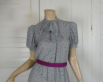 80s Secretary Dress in Gray- Tiny Floral Print- Ascot / Cravat, Puffy Sleeves- Extra Small- High Neck