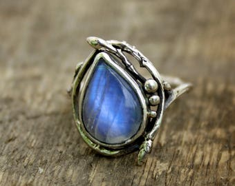 Moonstone Birch branch ring, Blue moonstone, woodland ring, branch band, twig ring, forest jewelry, tree medicine, tree of life, rustic