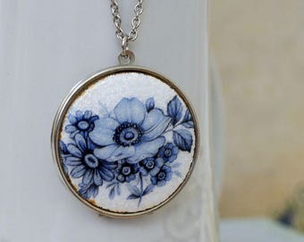 vintage silver poppy flower locket necklace large, long chain, blue flowers, vintage 70s locket necklace