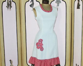 ON SALE Vintage Evelyn Peterson Red and White Gingham Dress. Adorable. Medium.