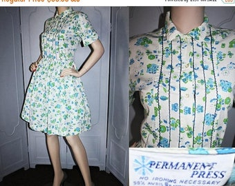 ON SALE Vintage 60's Dress. Shirt Dress Style with Blue and Green Ladybug Novelty Print. Medium.