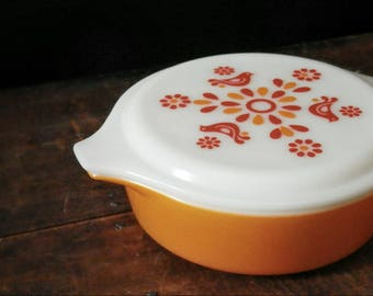 Pyrex Friendship Casserole Dish, Cinderella Handles, Bake Serve Store,  Pyrex 471, Red Birds, Orange Kitchen, Dutch Pennsylvania