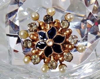 SALE Vintage Pearl Rhinestone Black Enamel Snowflake Brooch. Rotating Faux Pearls Rhinestones Snowflake Pin.  Atomic Snowflake Pin.