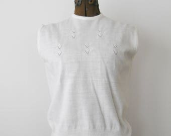 Vintage Knit Shell Ladies Top • Virgin Acrylic White Sleeveless Shirt