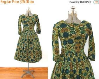 ON SALE 50s Dress / 1950s Green Floral Wool Full Skirt Dress