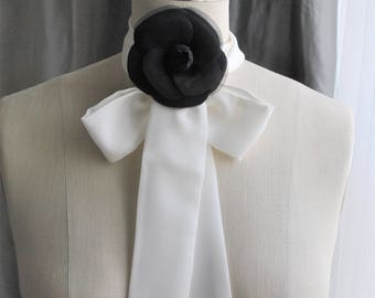 NEW OFF White silk tie/can be worn many different ways/Off white silk scarf/Bow scarf/Bow choker/Bow back/Neck wrap/Bow waist/Bow belt
