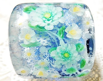 White Flowers on Lacy Pattern Satake Glass Lampwork Square Flower Bead sra