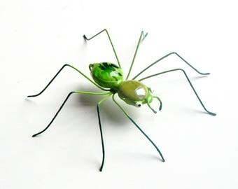 Single Small Green Spider 3 1/2 Inches, Wire Art Spider, Collectible, Arachnid, Unique and Unusual, Gift for Him Her, Wall Hanging, Ornament