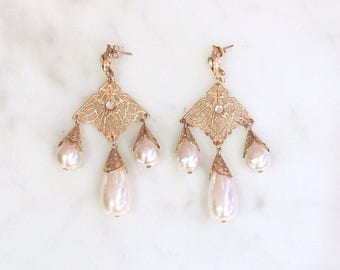 Vintage 90s Pearl Filigree Dangle Earrings