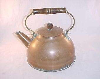 Revere Ware Copper Teapot With Wood Handle and Cover Knob