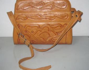 Vintage hand tooled Leather Handbag pocketbook lots compartments