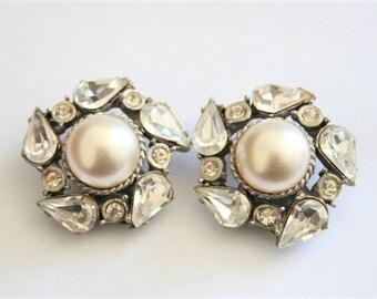 Vintage pearl and crystal earrings.  Clip on earrings.  Vintage jewellery