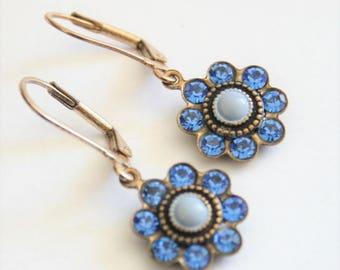Vintage blue crystal earrings.  Leverback earrings. Blue flower earrings.  Vintage jewellery