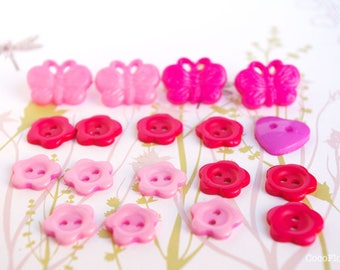 Butterfly and flower / 16 hot pink plastic sewing buttons / buttons for baby knit