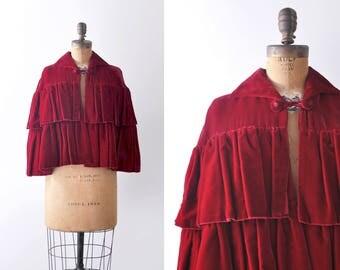 1930's red velvet cape. 30 silk capelet. shawl. Ruffled winter coat.