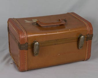 Vintage Gateway travel case Mid Century Brown train case Hard side suitcase Jewelry case Carry on suit case