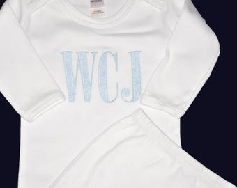Take Home Outfit, Embroidered Baby Gown, Monogrammed Baby Gown, Baby Girl Clothes, Baby Boy Clothes, Coming Home Outfit, Baby Shower Gift