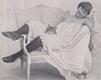 Risque German Postcard of Belle Epoque Dancer Lise Fleuron. Bawdy Humor in Text, circa 1900