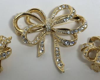 Sale  Vintage JKL for Avon Lustrous Bow Collection Demi Parure Brooch Earrings Rhinestones Gold Tone