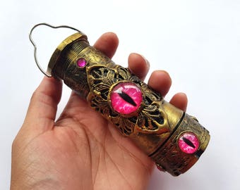 Magic Lantern - Beast Eye - Pink - LED torch