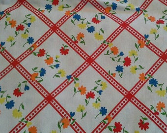 Floral  and Red Lattice Print Vintage Cotton Fabric 1 Yard X0958