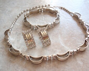 Crystal Rhinestone Choker Necklace Bracelet Earring Set Parure White Gold Tone Modernist Vintage E0099