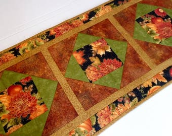 Elegant Fall Quilted Table Runner, Quilted Table Topper Autumn Colors, Thanksgiving Runner, Fall Table Quilt, Pumpkins, Black Rust Gold