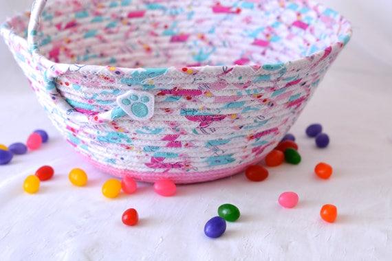 Girl Easter Basket, Handmade Flower Girl Basket, Cute Easter Decoration, Easter Egg Hunt Bag, Easter Bucket, Handled Basket, 1 Handle