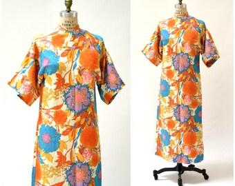 70s Vintage Maxi Dress with tropical Floral Print Size Medium Large// Vintage Maxi Dress Caftan Kaftan Orange Blue Psychedelic Print