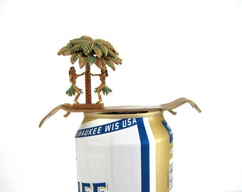 Vintage Beer Can Opener Bottle Cap Barware Bar Decor Hula Dancers Spring Motion Palm Tree Souvenir Hawaii Man Cave
