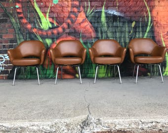 Set of 4 Saarinen Midcentury Modern Leather Arm Chairs