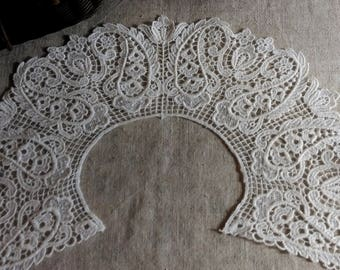 French vintage lace collar