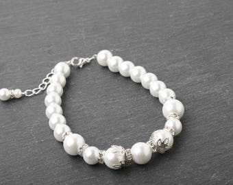 white Pearl Bracelet, Bridesmaid bracelet, Bridal Bracelet, white wedding Bracelet, Bridesmaid Gift, Maid of honor gift, mother of the bride