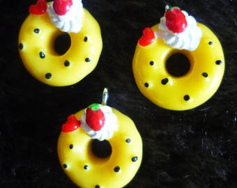 Set of 3 fruit chantilly 16mm donut charms