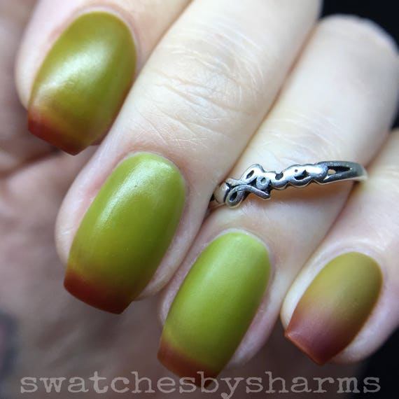 Orbiting Orchard Green to Red Thermal Nail Polish matte vegan