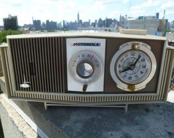 1960's Motorola AM Tube Radio and Alarm Clock Model - All Working!