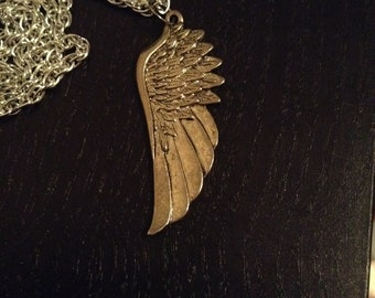 Wing pendant necklace