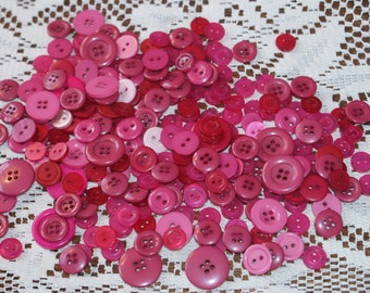 """Bulk lot Vintage Like New 250 Assorted Pink Buttons  1/2"""" to 7/8""""  Lot 1803"""