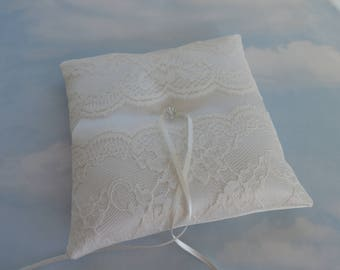 Wedding ring cushion. Ivory lace wedding ring bearer pillow.
