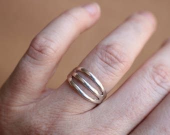 Sterling Silver Ring / Simple Southwest RING / Vintage Sand Cast Jewelry / Size 7 1/4