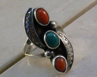 Vintage Southwest Sterling Silver Turquoise Coral Ring.....  Lot 5694
